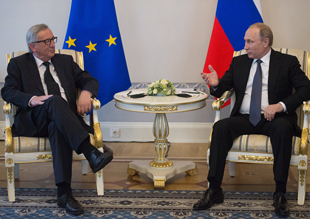 俄总统新闻秘书:普京与欧盟委员会主席会晤时未讨论制裁问题