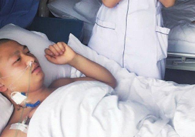 中国一男子剧烈腹痛原因竟是体内长有4个肾