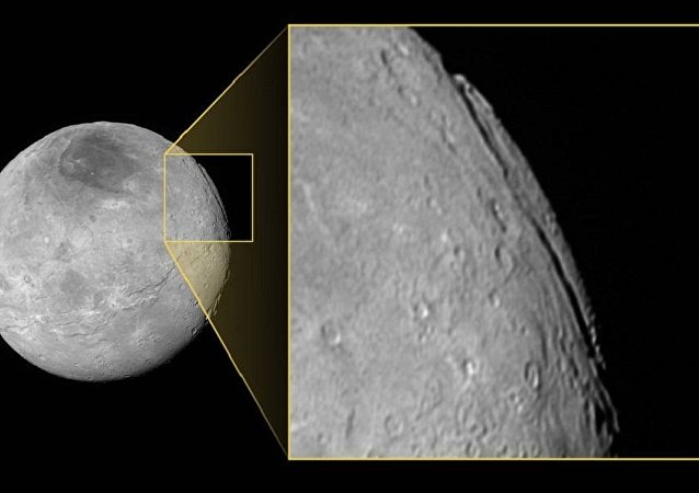 太阳系发现最深峡谷
