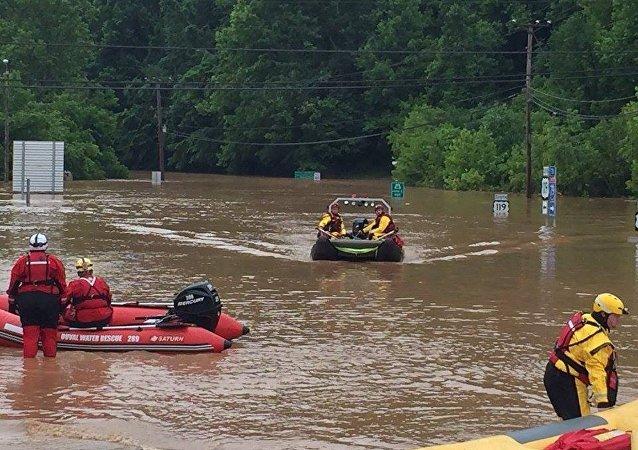 美国西弗吉尼亚州洪水死亡人数达23人