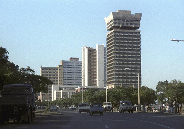 消息人士:津巴布韦首都市政厅内没有军人