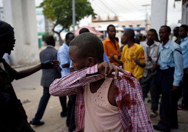 武装分子对索马里首都一酒店的袭击所造成的死亡人数升至18人