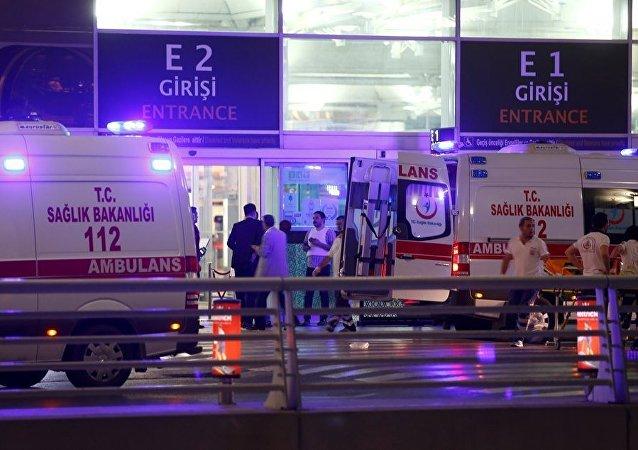 伊斯坦布尔机场发生2起爆炸 伤者众多