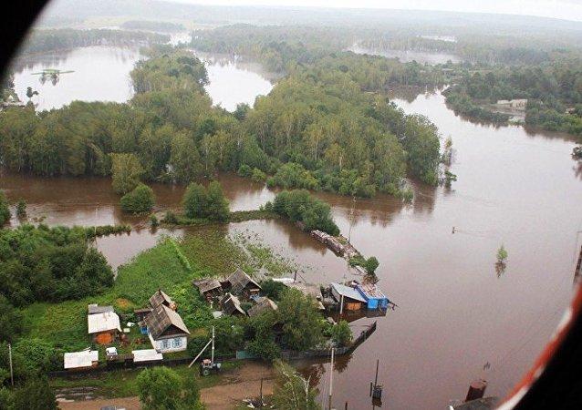 阿穆尔河沿岸地区儿童营地疏散约180人