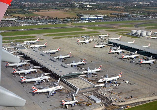 媒体:印度航空公司飞行员从阿联酋飞抵后未能通过酒精测试