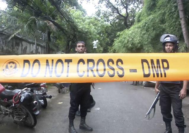 """印度总理莫迪将孟加拉国饭店事件称为""""卑鄙的攻击"""""""