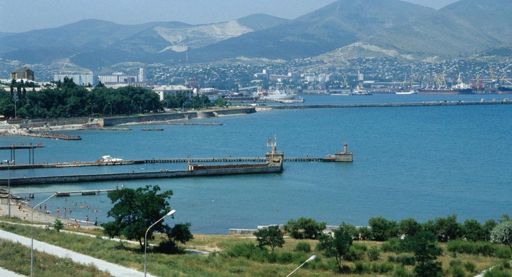 新罗西斯克黑海海底打捞起1967年时间胶囊