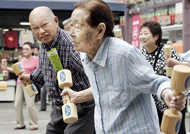 日本退休人员与日本首相夫人对印度大麻合法化表示支持
