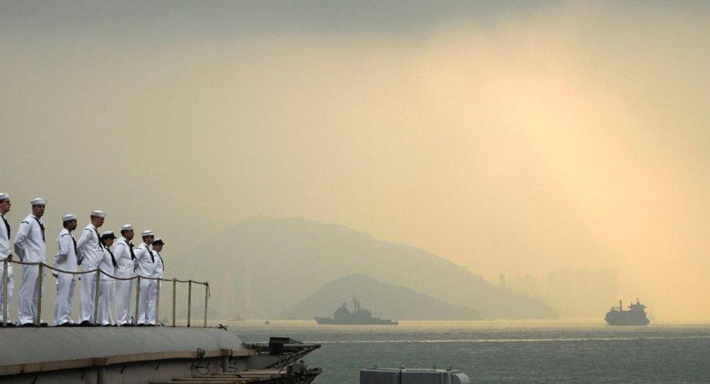中国南海军演  警告域外国家