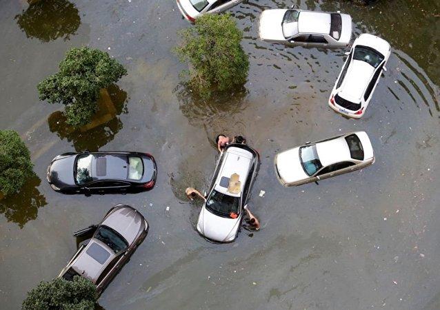 颱風「帕卡」登陸中國南部
