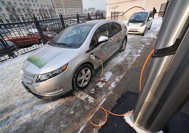 媒體:電動車可在俄免費停車並免繳交通稅