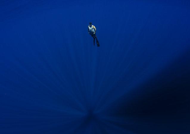 阿根廷人在太平洋海底发现另一星球基地