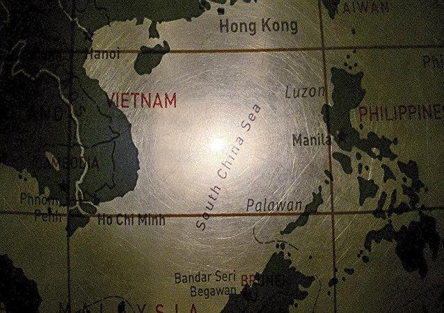中国外交部:中方强烈敦促越南立即停止在南海岛礁非法侵占