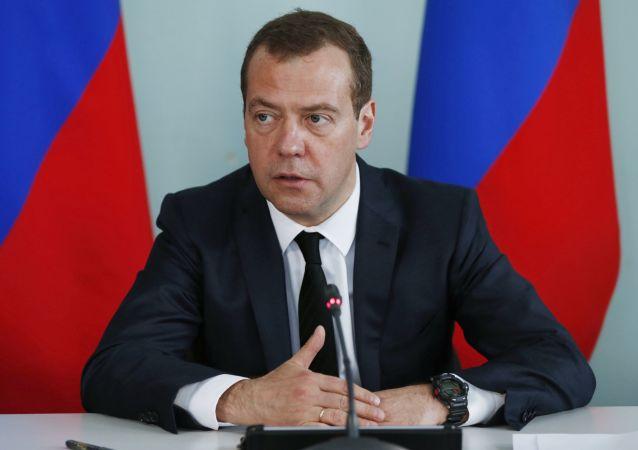 俄政府将为道路事业领域地区计划拨款121亿卢布