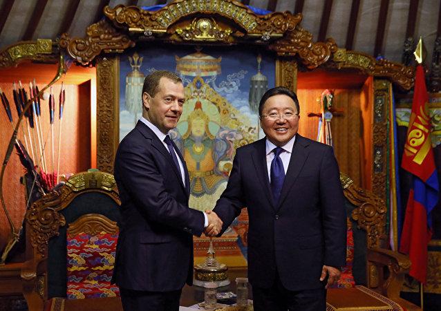 俄总理:亚欧峰会期间的讨论应该促进欧亚国家发展