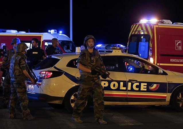 法国尼斯市长证实该市盎格鲁街袭击造成数十人死亡