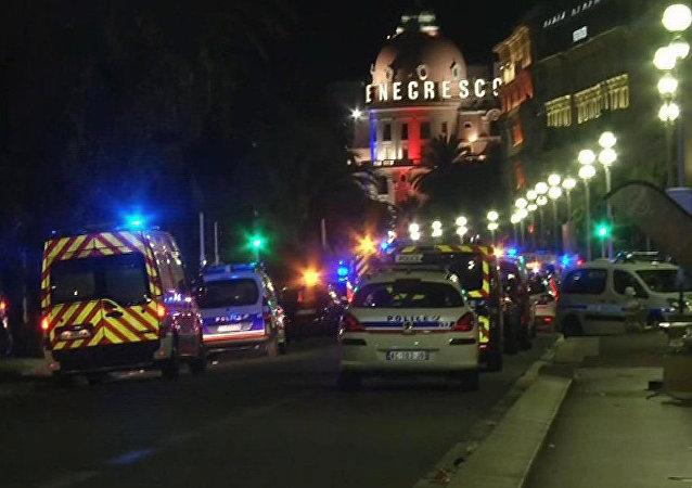 法国卫生部长:尼斯恐怖袭击案19名伤者仍生命危急