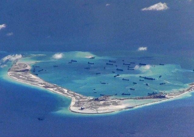 中菲发表联合声明承诺在南海问题上保持克制
