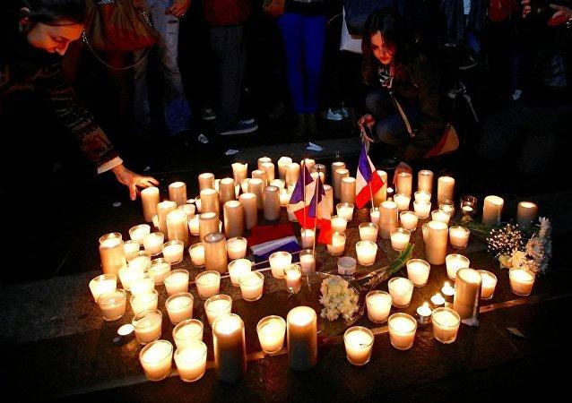 尼斯恐袭事件后法国总统宣布全国哀悼三天