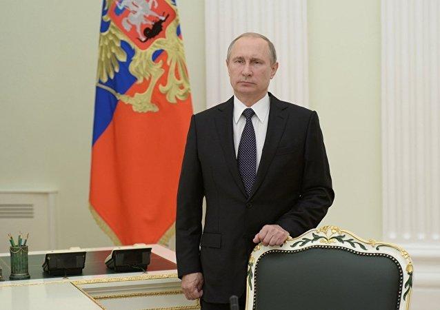 普京就比什凯克附近的坠机事件向吉总统致电慰问