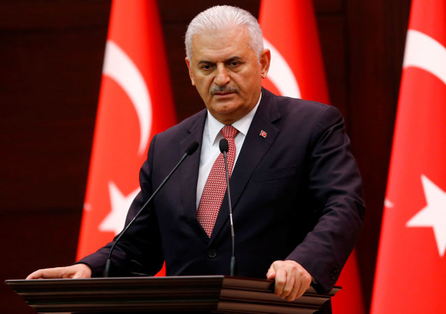 土耳其总理:政变策划者中的一位将军被打死