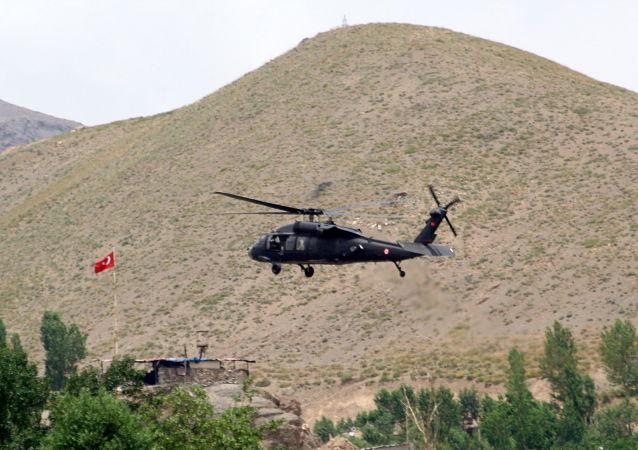 土空军在政变时于机场摧毁多架叛军直升机