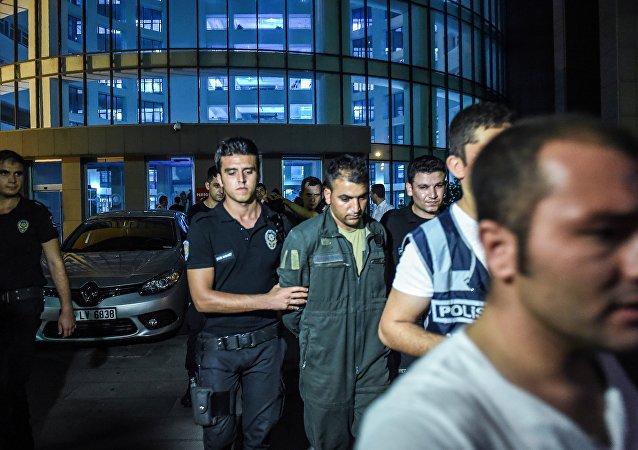 土耳其1300多名军人因与葛兰相关被撤职
