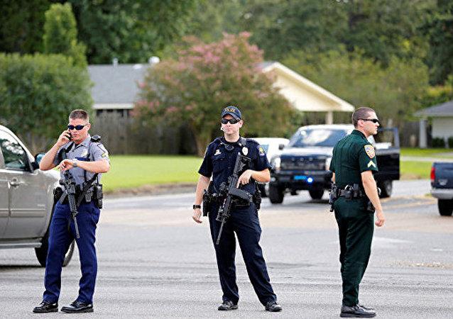 美国警察 (路易斯安那州首府巴吞鲁日)