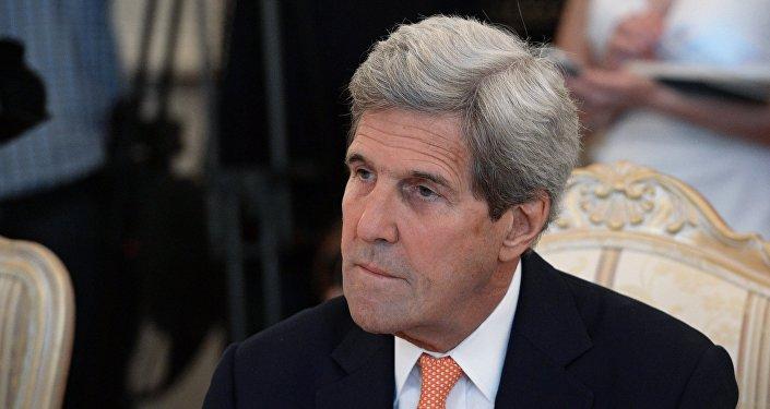 美国务卿呼吁中菲两国遵守南海仲裁结果