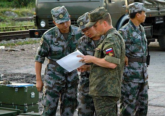 俄国防部:俄中哈军人将在鄂木斯克州参加装甲装备维修比赛