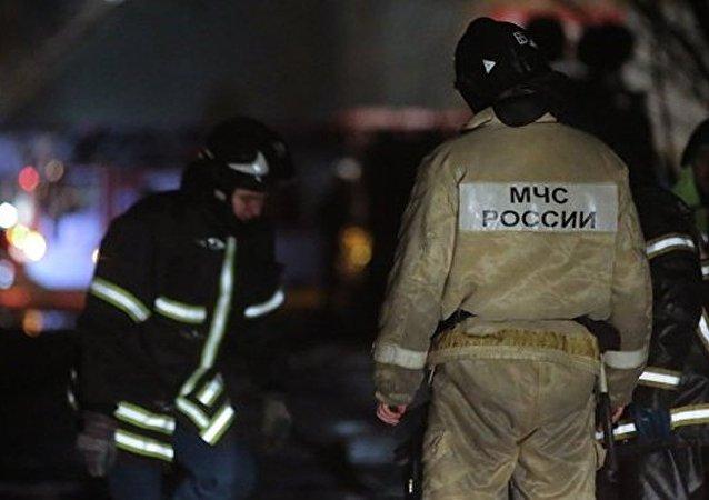 俄紧急情况部消防服务员工