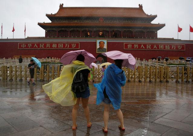 北京發佈大風藍色預警 陣風可達8級