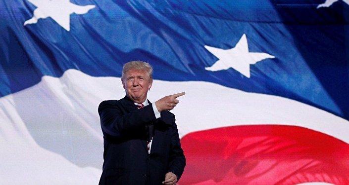 特朗普承诺当选第一天就开始驱逐非法移民