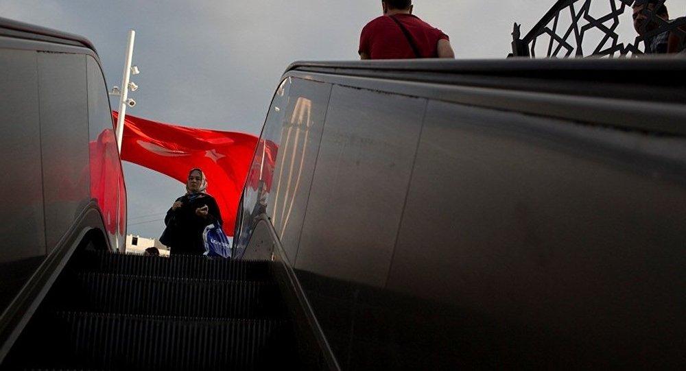 土耳其已有1万多名公务员因被指控与葛兰组织有关而被政府解职