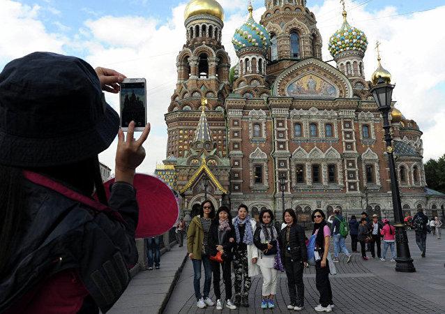 """""""友好中国""""鱼子酱吧现身圣彼得堡"""