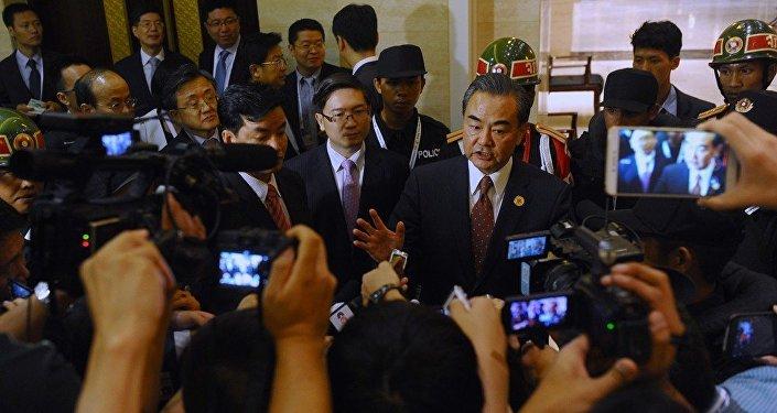 中国外长:菲律宾总统对华访问一定会取得成功