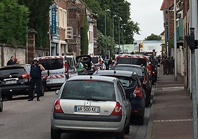 法国内政部:鲁昂市郊劫持人质事件是有预谋的