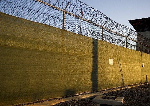 五角大楼:美又释放15名关塔那摩监狱囚犯