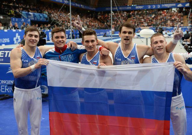 普京呼吁向世界证明俄罗斯人能成事取胜 承诺捍卫运动员荣誉