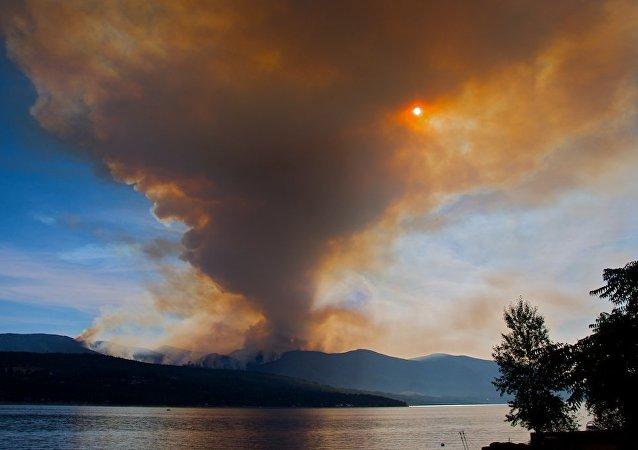 专家:水可诱发超级火山喷发