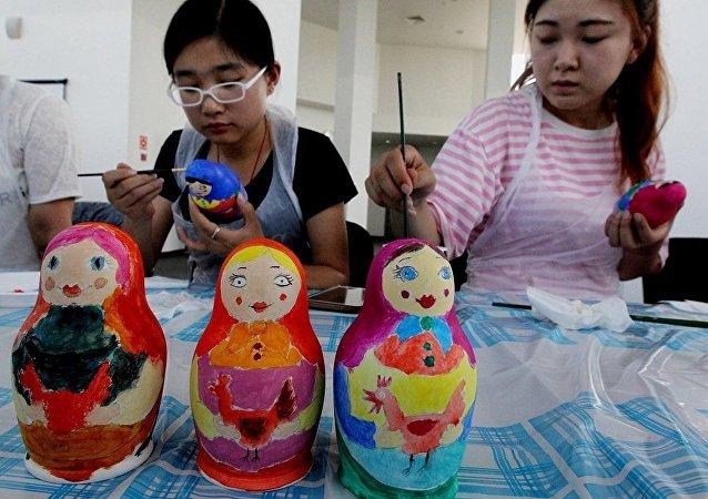 俄阿穆尔州文化部长:将有约3000中国公民赴布市参加俄中文化大集