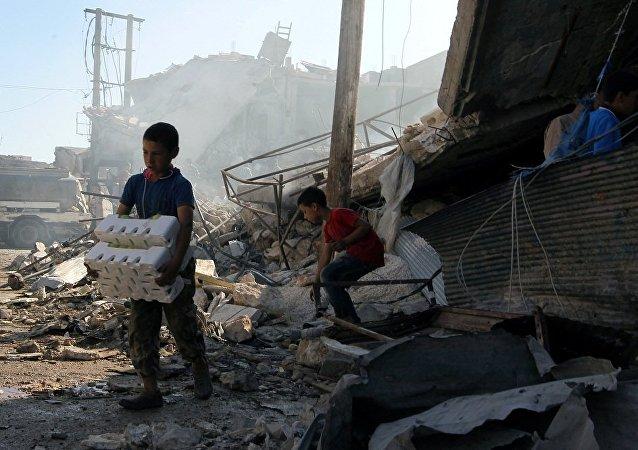 媒体:美国务卿对俄在阿勒颇开展的人道行动深感担忧