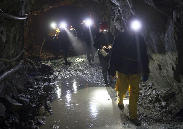 俄中合作开采金矿将为外贝加尔边疆区带来新技术