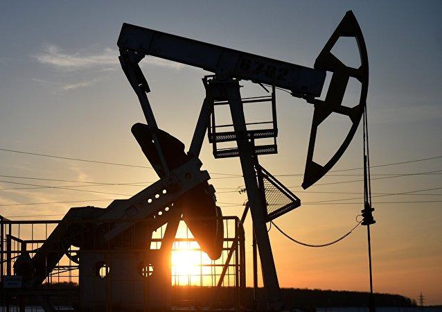 石油巨头公司对美国关于加大对俄罗斯制裁力度的法案表示担忧