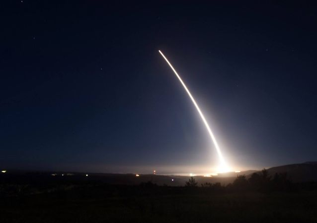 """美国再次试射""""民兵-3""""型洲际弹道导弹"""