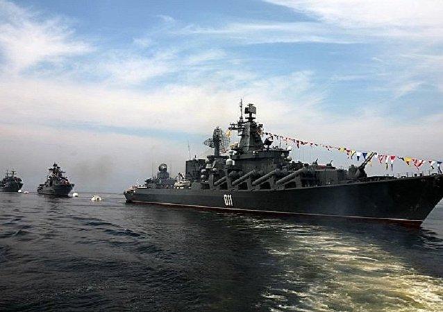 俄太平洋舰队舰艇支队驶入釜山港