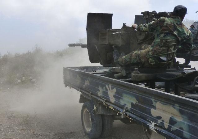 叙政府军开始对哈马省恐怖分子主要据点发起进攻