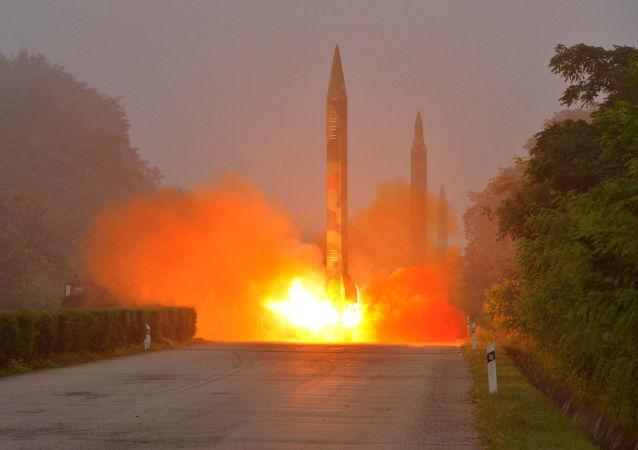 朝鲜发射了四枚弹道导弹