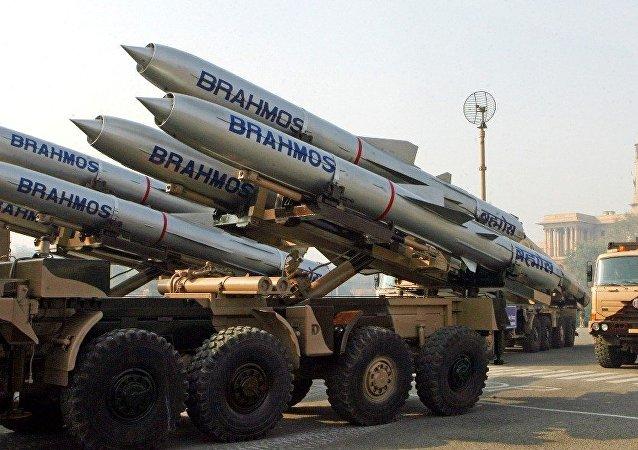 """印度已完成对 """"布拉莫斯""""导弹陆地攻击版本的测试"""