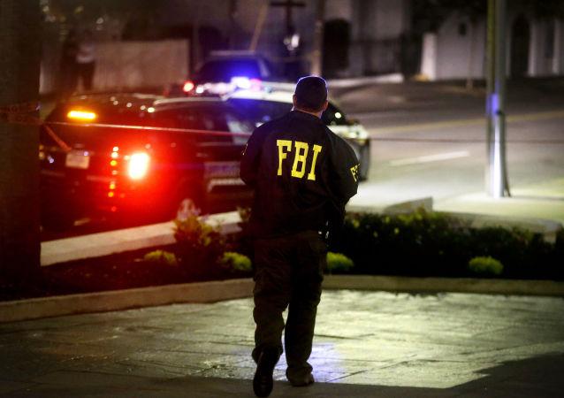 """阿桑奇:希拉里曾面临联邦调查局的调查,并说其员工""""没出息"""""""